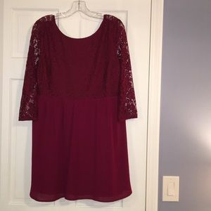 FOREVER 21// 3/4 Maroon Lace Dress